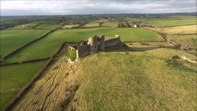 Lucht Mening Rochekasteel Dundalk ierland stock video