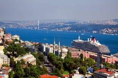 Lucht mening van brug Bosphorus in Istanboel Royalty-vrije Stock Afbeeldingen