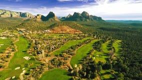 Lucht mening van een golfcursus stock footage
