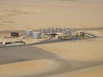 Lucht Mening van een raffinaderij in de woestijn Stock Fotografie