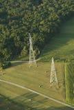 Lucht mening van elektrische pylonen Royalty-vrije Stock Foto's
