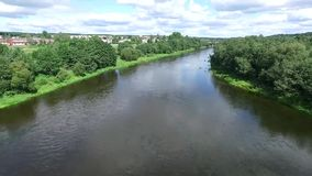 Lucht mening van rivier stock footage