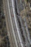 Lucht mening van spoorweglijnen met arbeiders. Royalty-vrije Stock Afbeeldingen