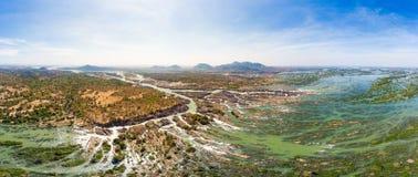 Lucht panoramische 4000 eilandenmekong Rivier in Laos, Li Phi-watervallen, beroemde reisbestemming backpacker in Zuidoost-Azië royalty-vrije stock afbeeldingen