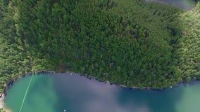 Lucht Photography Hemels landschap van het landschap met een bergmeer in Siberië dichtbij Meer Baikal Warm meer van Snezhna stock footage