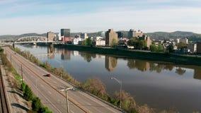 Lucht Statisch Weergeven over de Rivier en Charleston West Virginia van Kanawha stock footage