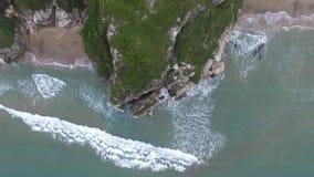Lucht top-down mening Het strand van Marina di Minturno-stad Italië 4K stock video