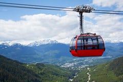 Lucht tram bij de Piek van de Fluiter, Canada stock fotografie