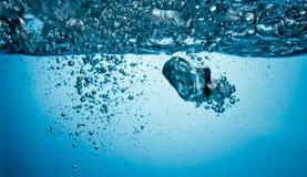 Luchtbellen onderwater royalty-vrije stock foto