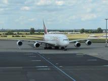 Luchtbus A380 van de luchtvaartlijnen van Emiraten Stock Foto