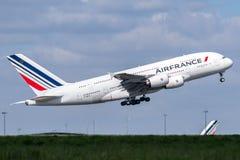 Luchtbus A380-861 door Air France op start in werking die wordt gesteld die royalty-vrije stock afbeelding