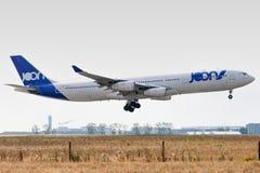 Luchtbus A340-313X - 245, gewerkt door Air France-te landen stock foto