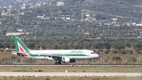 Luchtbus a-320-216 van het passagiersvliegtuig Alitalia Royalty-vrije Stock Foto's