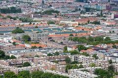 Luchtcityscape woonwijk van Den Haag, Nederland Stock Foto's