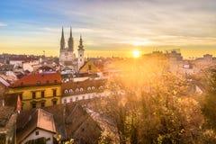 Luchtcityscape in Zagreb, hoofdstad van Kroatië stock afbeeldingen