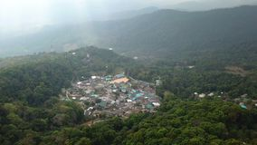Luchtdoi Pui Mong Hill Tribe Village stock videobeelden
