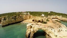 Luchtfootage Praia DE Albandeira - Caramujeira, Lagoa, Algarve, Portugal