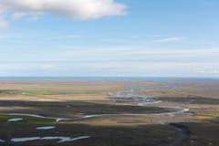 Luchtfoto van een ijzig riviersysteem in het zuiden van IJsland royalty-vrije stock afbeeldingen