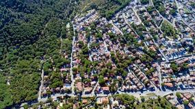 Luchtfoto van een woondistrict in L ` Escala, Spanje stock afbeeldingen