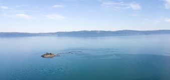 Luchtfoto van Munkholmen-eilandje in Trondheimsfjord Stock Foto's