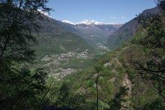 Luchtfotografie van de Blenio-Vallei - Zwitserland stock afbeeldingen