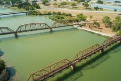 Luchtfotospoorwegen over de Brazos-Rivier Waco Texas stock fotografie