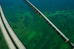 Luchtfotoweg Overzee zeven de Sleutels van Florida van de 7 mijlenbrug royalty-vrije stock foto's