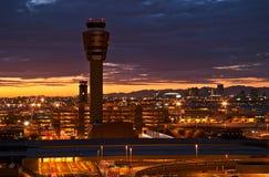 Luchthaven bij Zonsondergang Royalty-vrije Stock Afbeeldingen
