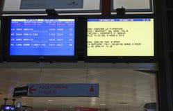 Luchthaven van Genua, geannuleerde vluchten Stock Foto