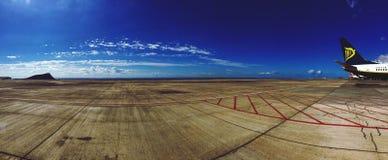 Luchthaven Zuid-dieTenerife op September wordt gemaakt Royalty-vrije Stock Foto's