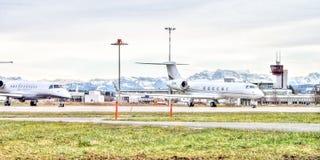 Luchthaven in Zwitserland Stock Afbeeldingen
