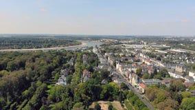 Luchthommelmening Duitsland Dusseldorf Benrath stock videobeelden