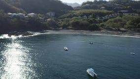 Luchthommelpan over schitterend vakantie tropisch paradijs stock video
