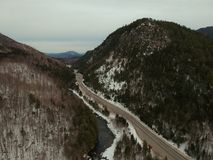 Luchthommelschot van Wilmington-Inkeping in Adirondacks stock fotografie