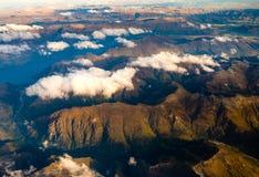 Luchtlandschapsmening van bergketen dichtbij Queenstown, NZ Royalty-vrije Stock Afbeeldingen
