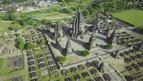 Luchtlandschapsvideo van Prambanan-tempel stock video