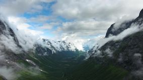Luchtlengte mooie aard Noorwegen stock videobeelden