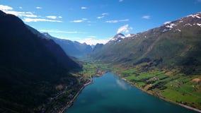 Luchtlengte mooie aard Noorwegen stock video
