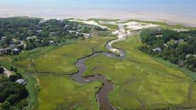 Luchtlengte van Cape Cod-de Habitat van het Moerasland stock videobeelden