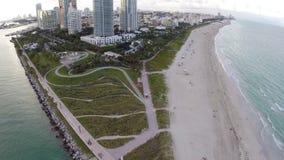 Luchtlengte van het Strand van Miami stock video