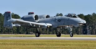 Luchtmacht a-10 Wrattenzwijn/Blikseminslag II Stock Afbeeldingen