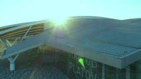 Luchtmening aan terminal van Platov-luchthaven stock videobeelden