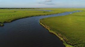 Luchtmening die over het Moeras en het de Baaistrand New Jersey vliegen van Delaware stock videobeelden