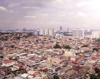 Luchtmening die van Petaling Jaya tot Kuala Lumpur-stadscentrum leiden Stock Fotografie