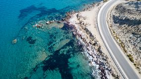 Luchtmening: Hommelvideo van stranden in Rhodes Mandriko, Rodos-eiland Stock Afbeelding