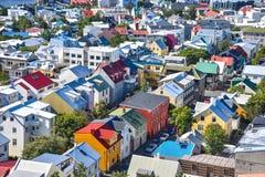 Luchtmening over gekleurde huizen van Reykjavik Royalty-vrije Stock Foto's