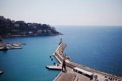 Luchtmening over Haven van Nice en vuurtoren , Franse Riviera, Fra Stock Afbeeldingen