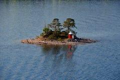 luchtmening over Skandinavische skerry kust royalty-vrije stock fotografie