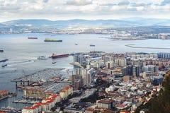 Luchtmening over stad van Gibraltar, Brits Gebied overzee royalty-vrije stock foto's