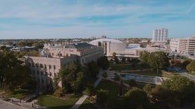 Luchtmening over visueel kunstencentrum in de Stad van Oklahoma stock videobeelden